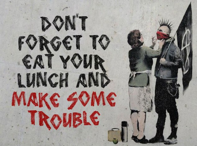 Banksy, Don't Forget Your Scarf punk Graffitti